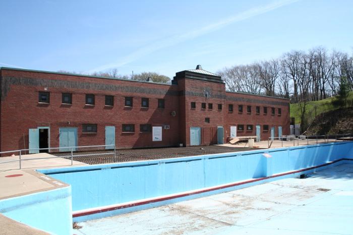 Dormont Pool